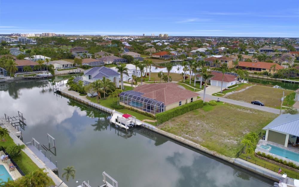 327 Henderson Ct, Marco Island - Lot For Sale 784004573