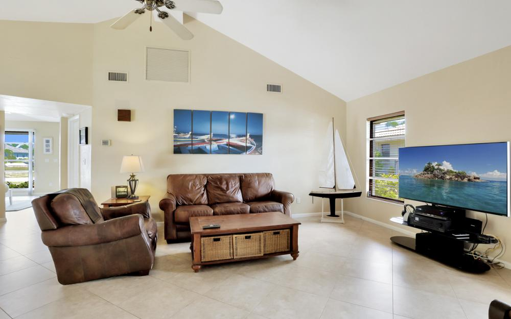 1145 Shenandoah Ct, Marco Island - Home For Sale 1064040106