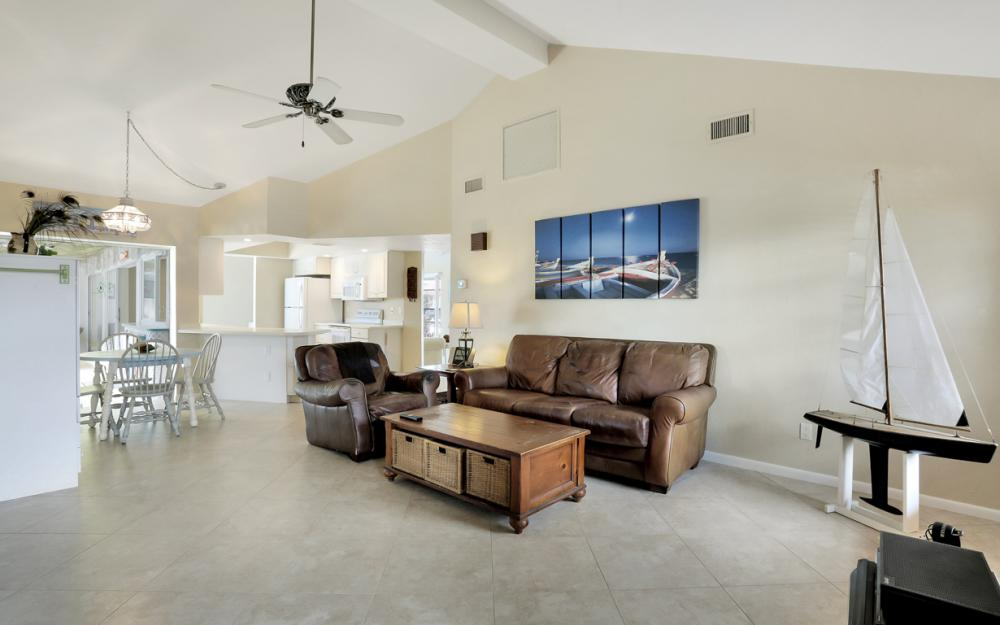 1145 Shenandoah Ct, Marco Island - Home For Sale 544945598