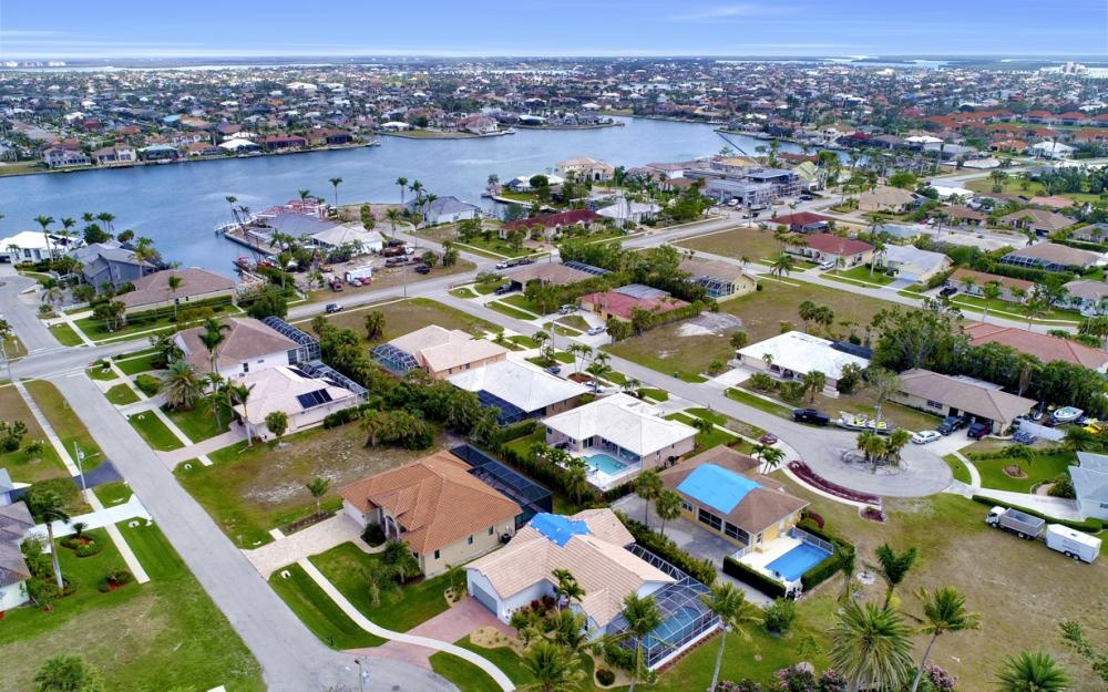 911 Ironwood Ct, Marco Island - Home For Sale 369367068