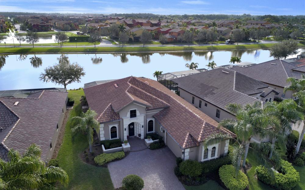 11851 Rosalinda Ct, Fort Myers - Home For Sale 2140036231
