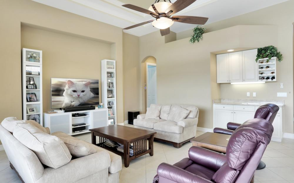 11851 Rosalinda Ct, Fort Myers - Home For Sale 1053468968