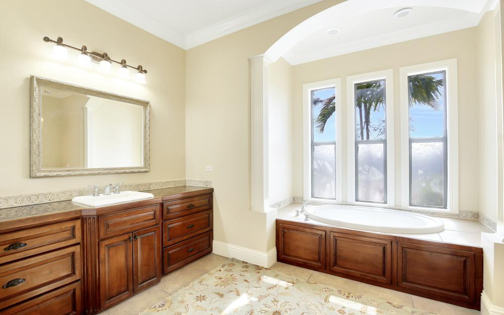 11842 Royal Tee Cir, Cape Coral - Home For Sale 1722290736