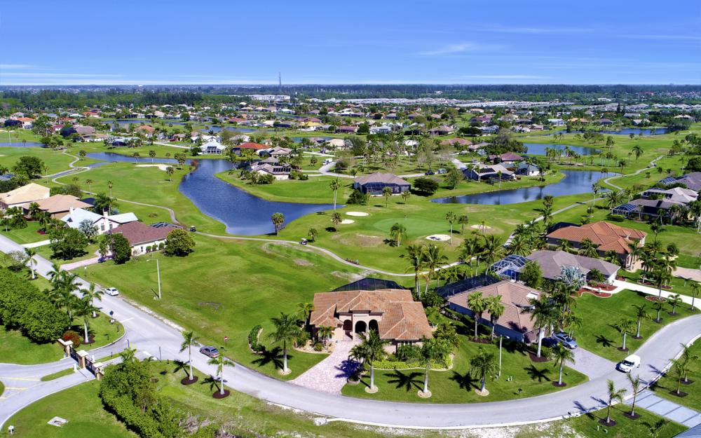 11842 Royal Tee Cir, Cape Coral - Home For Sale 1919861691