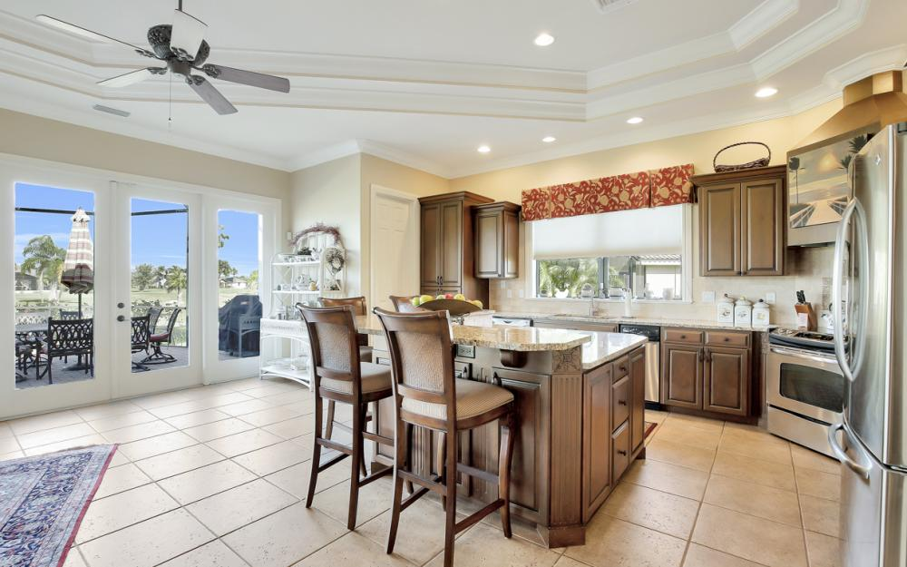 11842 Royal Tee Cir, Cape Coral - Home For Sale 940101061