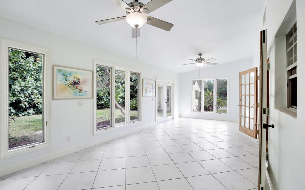2453 Sunset Ave, Naples - Home For Sale 826730676