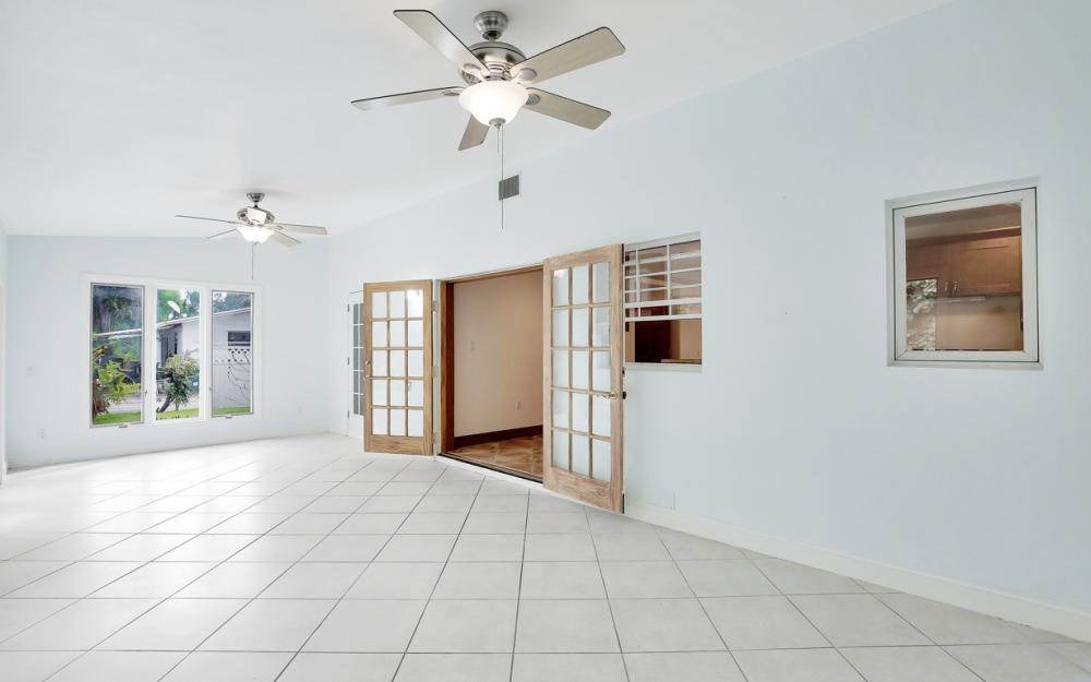 2453 Sunset Ave, Naples - Home For Sale 1273814526
