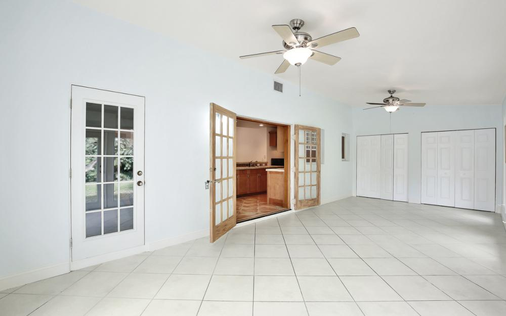 2453 Sunset Ave, Naples - Home For Sale 780383230