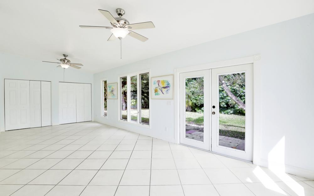 2453 Sunset Ave, Naples - Home For Sale 632905289