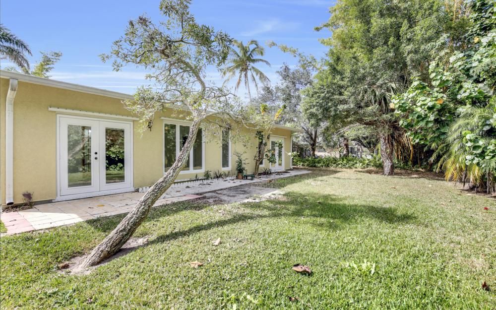 2453 Sunset Ave, Naples - Home For Sale 1860190770