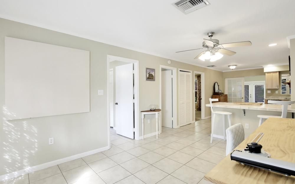 2453 Sunset Ave, Naples - Home For Sale 384145010