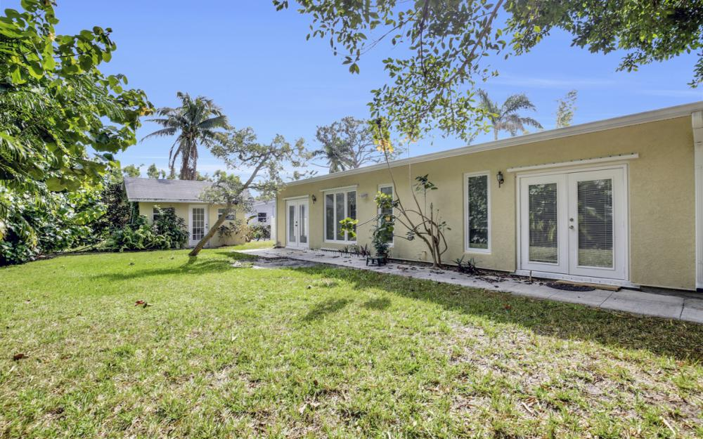 2453 Sunset Ave, Naples - Home For Sale 1233144849