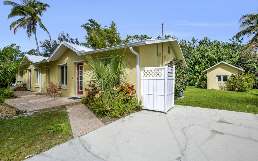 2453 Sunset Ave, Naples - Home For Sale 1686317330