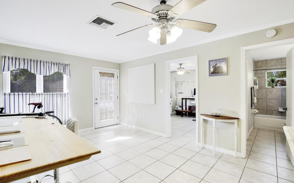 2453 Sunset Ave, Naples - Home For Sale 1662806825