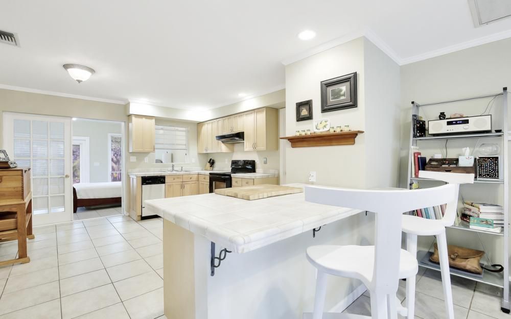 2453 Sunset Ave, Naples - Home For Sale 637230539