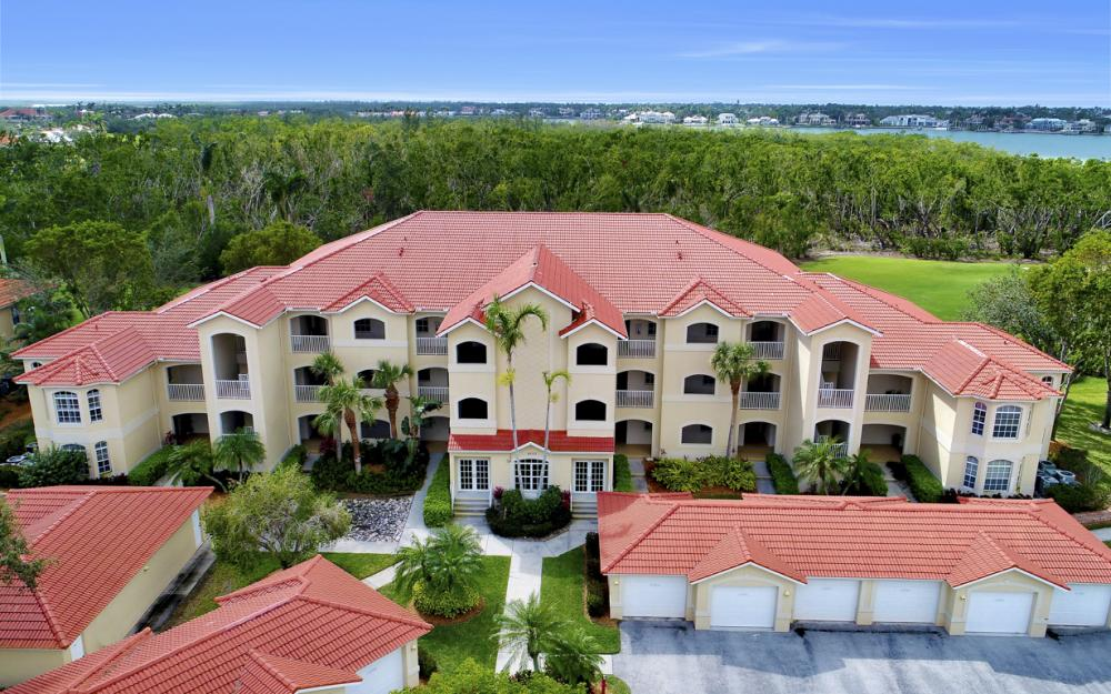 4650 Yacht Harbor Dr #122, Naples - Condo For Sale 124580088