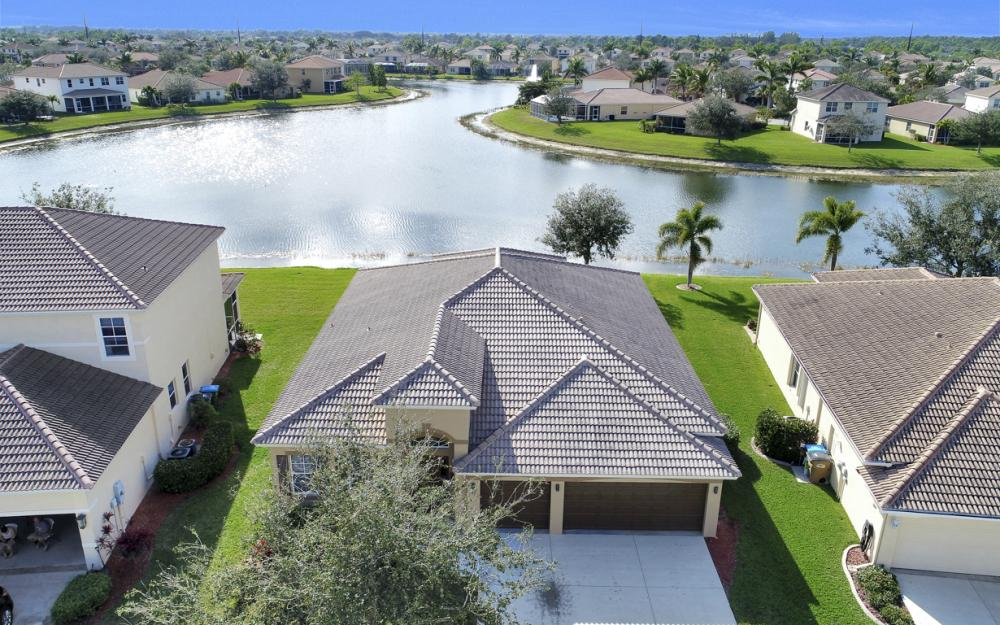 3028 Lake Manatee Ct, Cape Coral - Home For Sale 1297432759