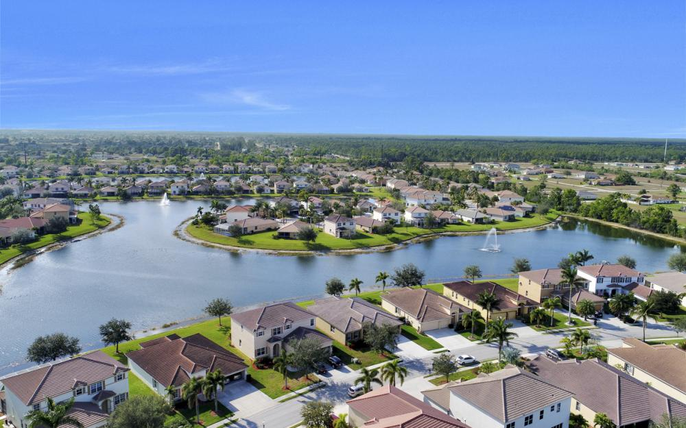 3028 Lake Manatee Ct, Cape Coral - Home For Sale 807057677