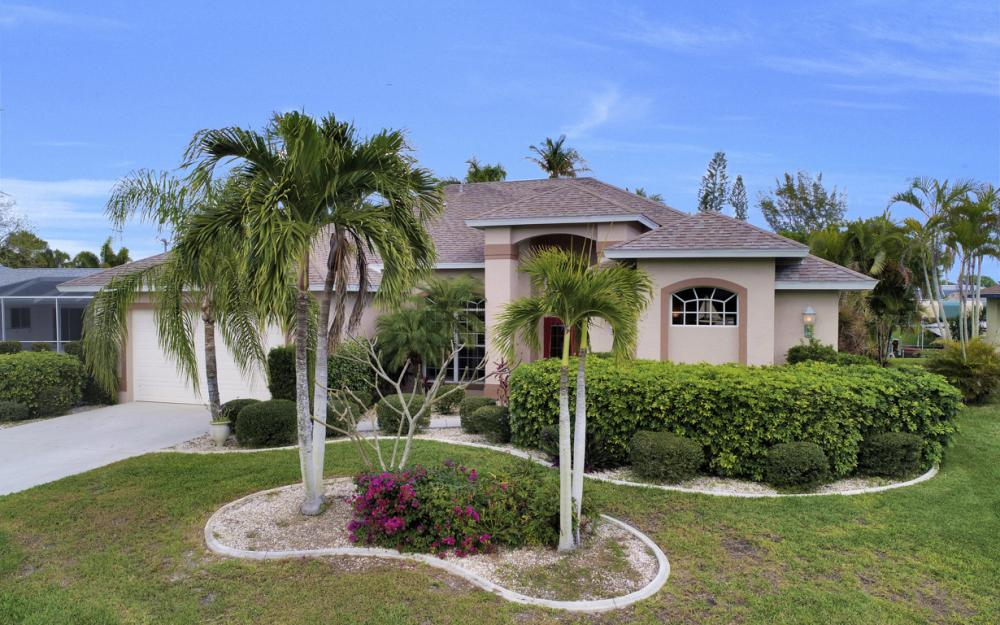 4209 SE 9th Ave, Cape Coral - Home For Sale 356733340