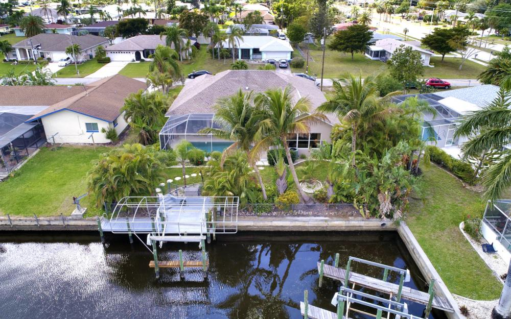 4209 SE 9th Ave, Cape Coral - Home For Sale 1910505653