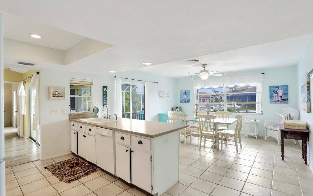 1211 Spanish Ct, Marco Island - Home For Sale 361397760