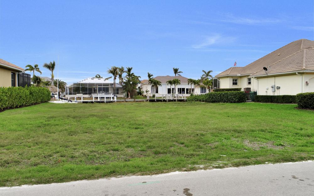 25 Covewood Ct, Marco Island - Lot For Sale 760670455