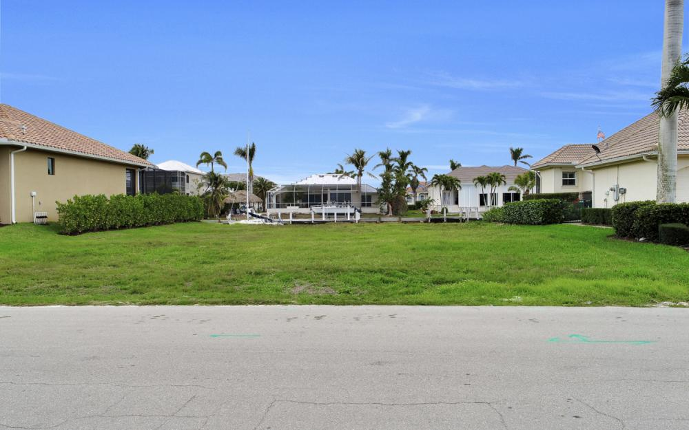 25 Covewood Ct, Marco Island - Lot For Sale 704902185