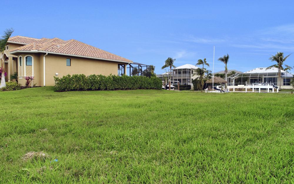 25 Covewood Ct, Marco Island - Lot For Sale 2100963045
