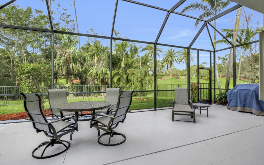 2343 Butterfly Palm Dr, Naples - Home For Sale 78609064