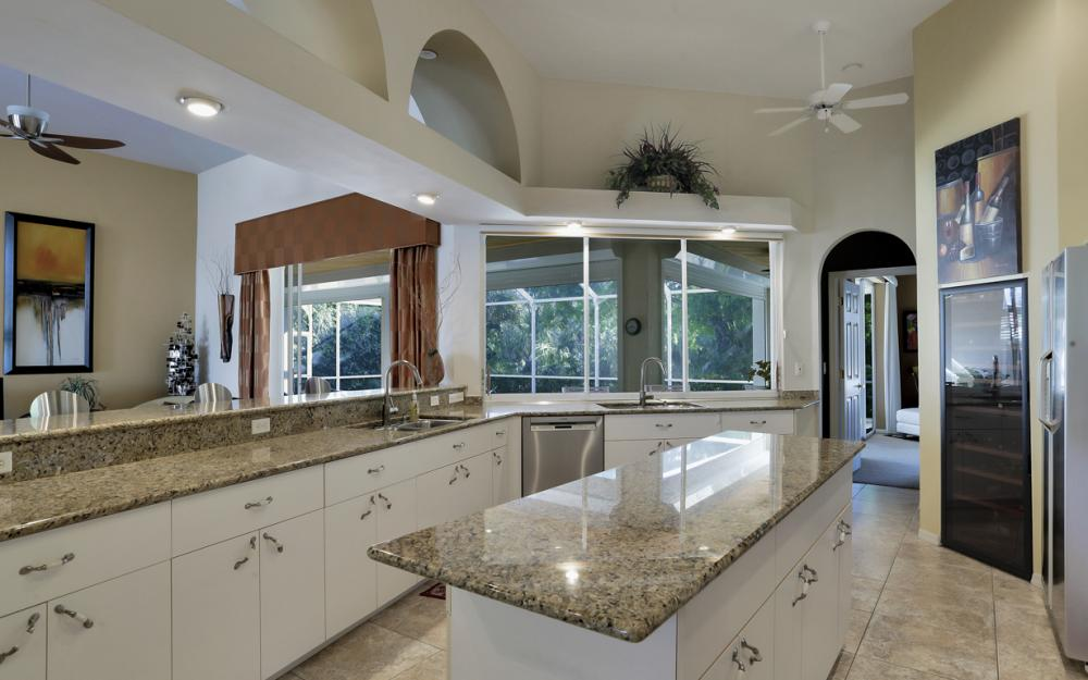 25830 Creekbend Dr, Bonita Springs - Home For Sale 1826073186