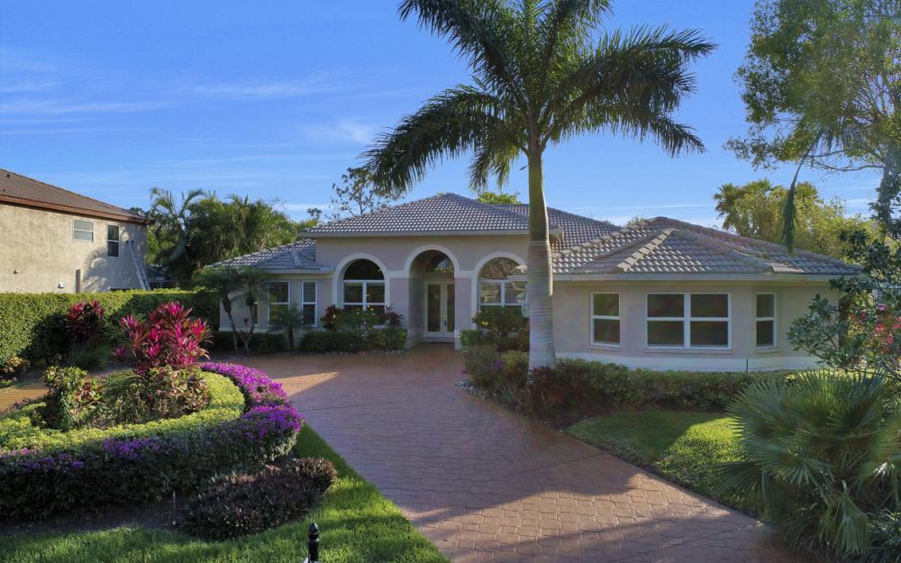 25830 Creekbend Dr, Bonita Springs - Home For Sale 577861954