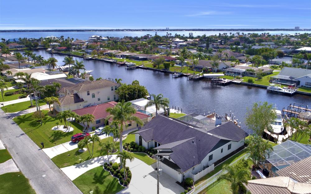 1904 SE 35th St, Cape Coral - Home For Sale 1794266340