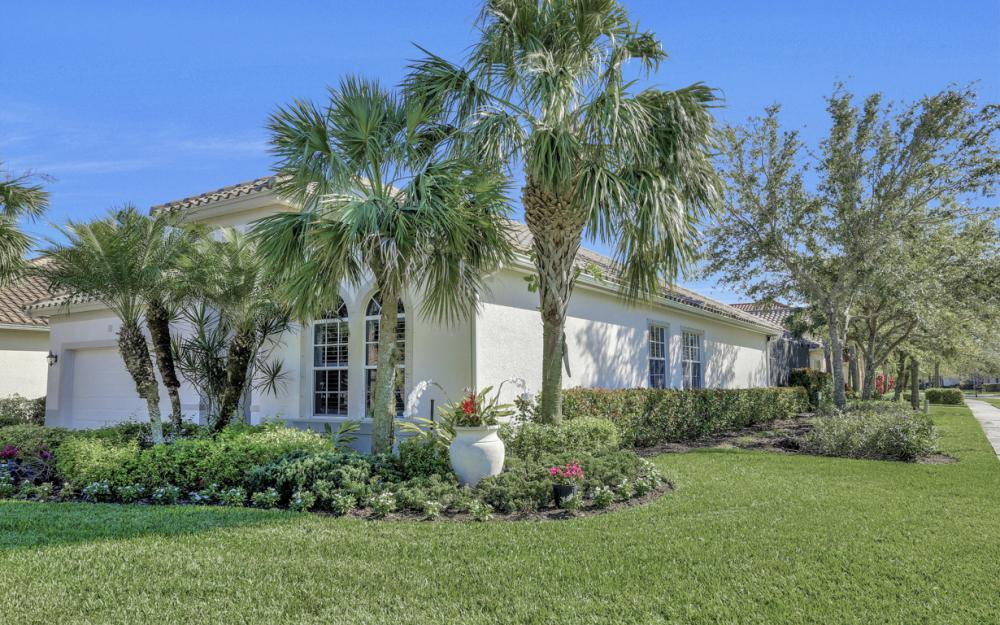 9110 Crystal Ct, Naples - Home For Sale 1068515664
