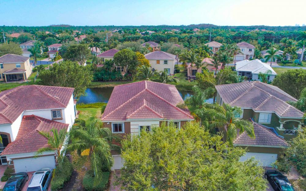9734 Silvercreek Ct. Estero - Home For Sale 1079545983