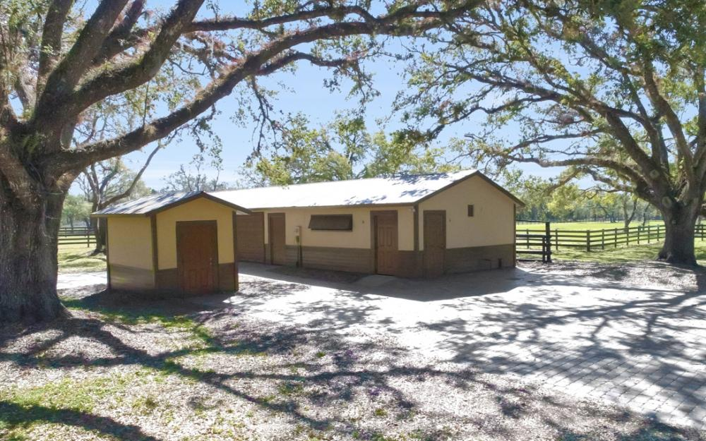 22920 N River Rd, Alva - Home For Sale 414048006