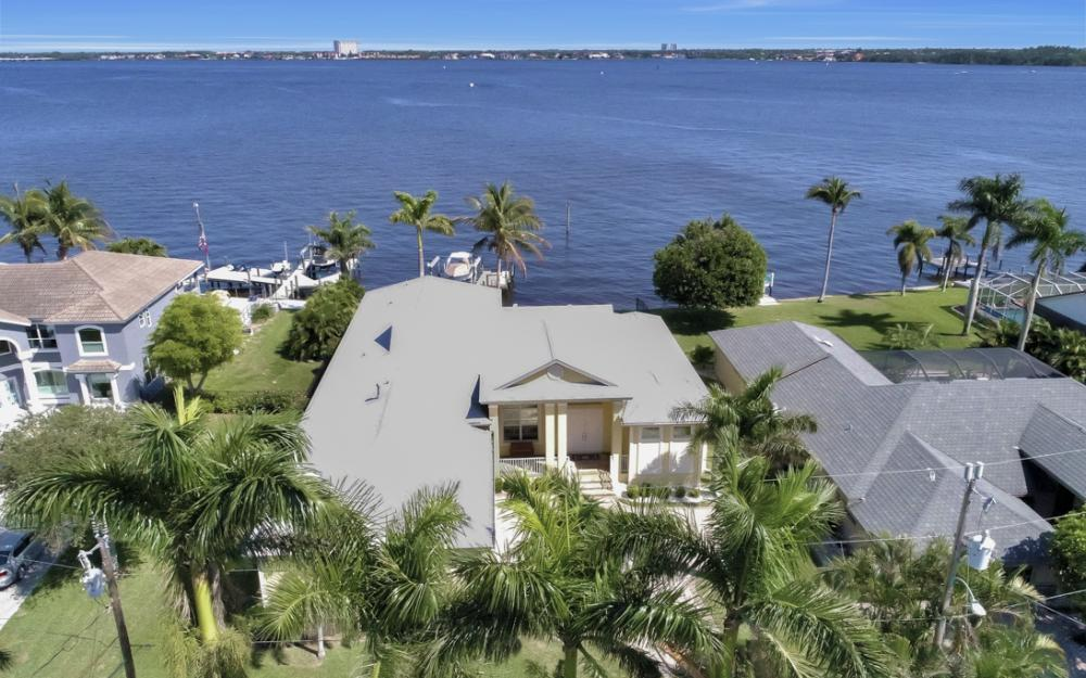 5635 Riverside Dr, Cape Coral - Home For Sale 1366421154