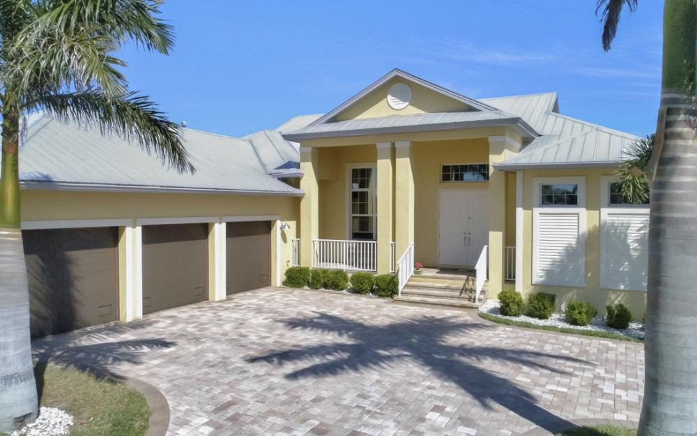 5635 Riverside Dr, Cape Coral - Home For Sale 1368354474