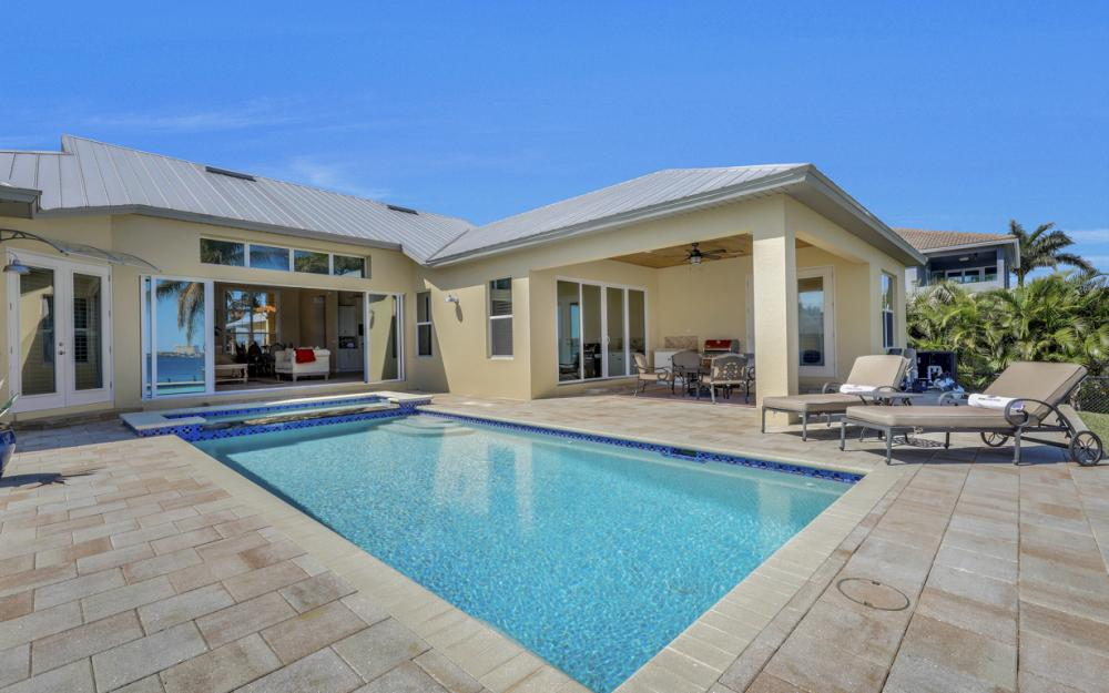 5635 Riverside Dr, Cape Coral - Home For Sale 2120637083