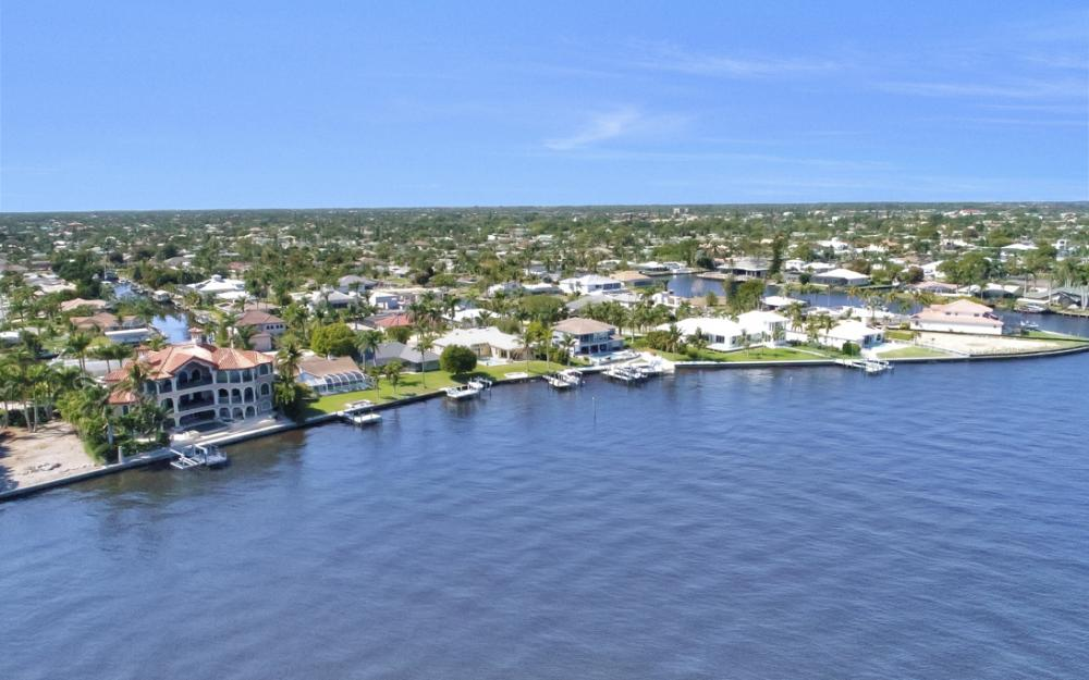 5635 Riverside Dr, Cape Coral - Home For Sale 1786313518