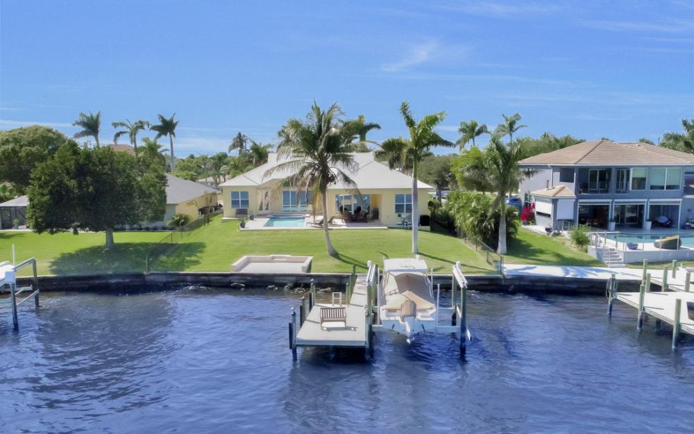 5635 Riverside Dr, Cape Coral - Home For Sale 2117537446