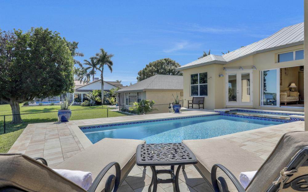 5635 Riverside Dr, Cape Coral - Home For Sale 95532286