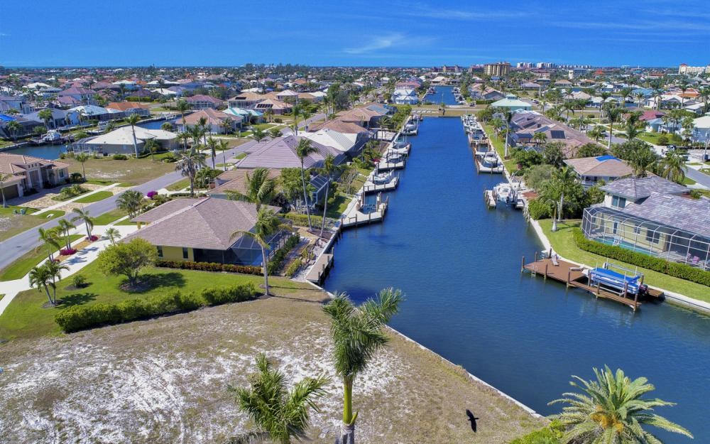 259 Marquesas Ct, Marco Island - Lot For Sale 2144029422