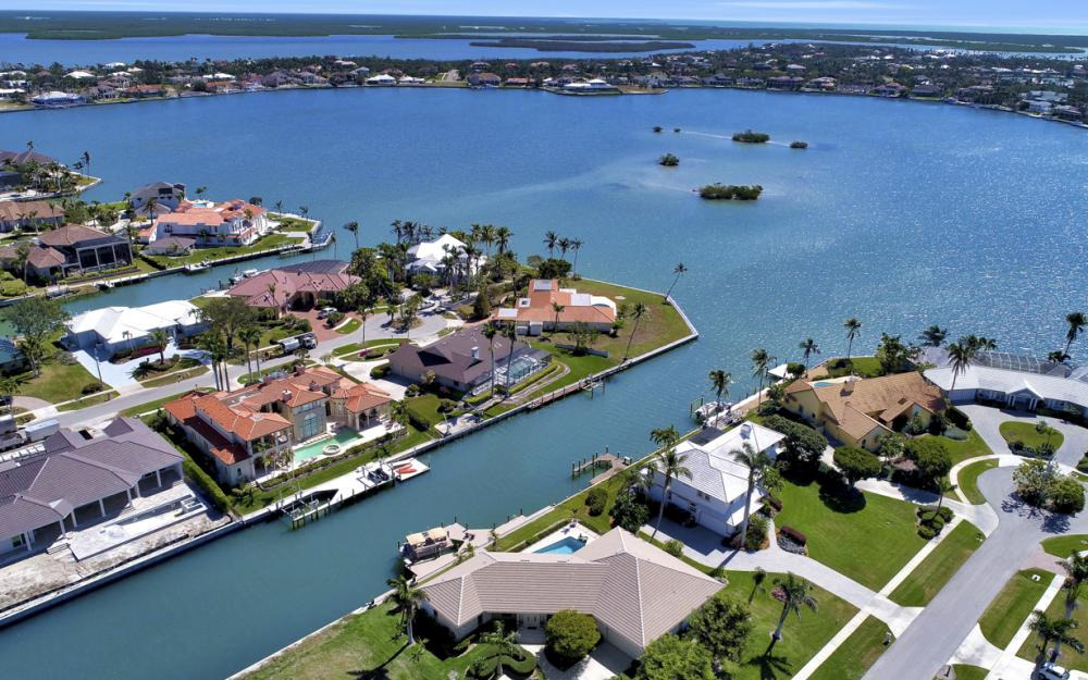 561 Hammock Ct, Marco Island - Home For Sale 407066146