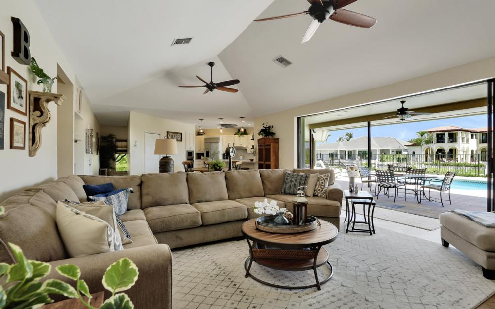 561 Hammock Ct, Marco Island - Home For Sale 820577302