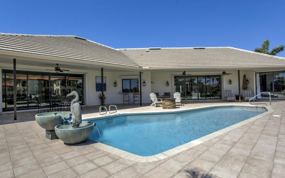 561 Hammock Ct, Marco Island - Home For Sale 677031574