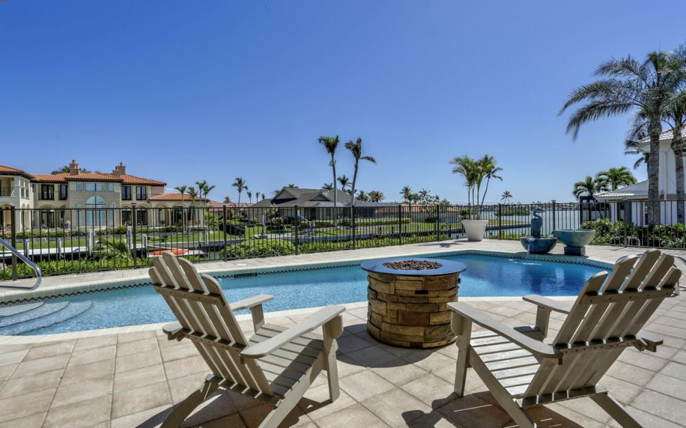 561 Hammock Ct, Marco Island - Home For Sale 723403108