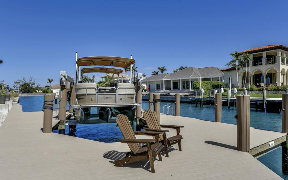 561 Hammock Ct, Marco Island - Home For Sale 508933660
