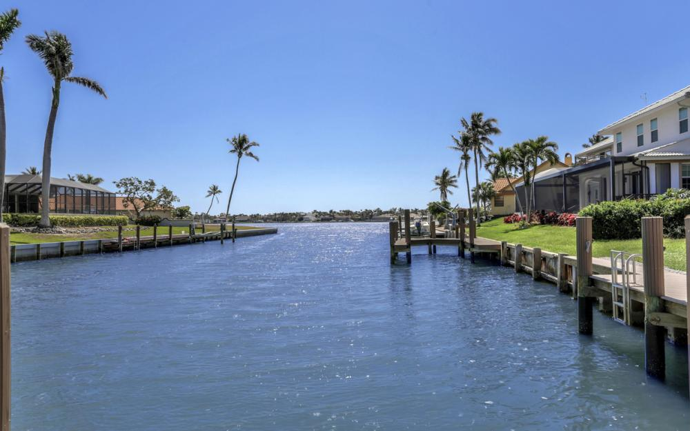 561 Hammock Ct, Marco Island - Home For Sale 1717961335