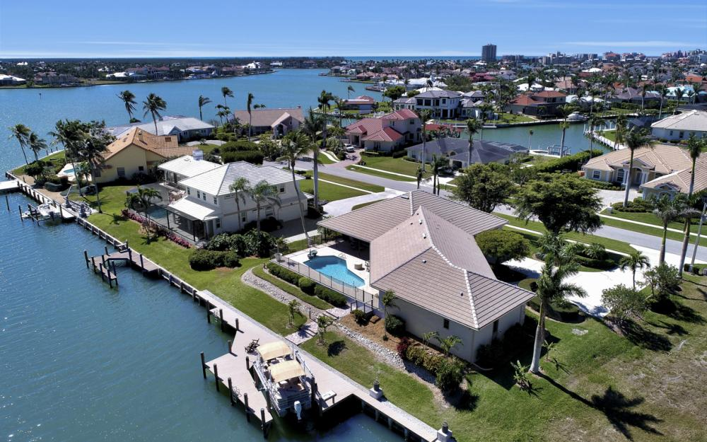 561 Hammock Ct, Marco Island - Home For Sale 814280578