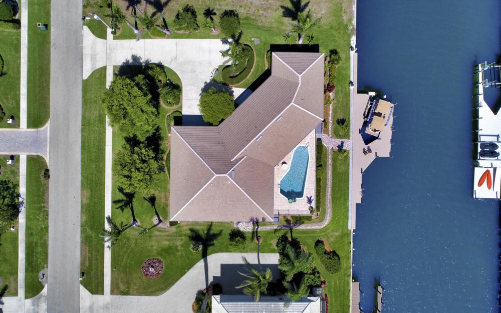 561 Hammock Ct, Marco Island - Home For Sale 1232863898